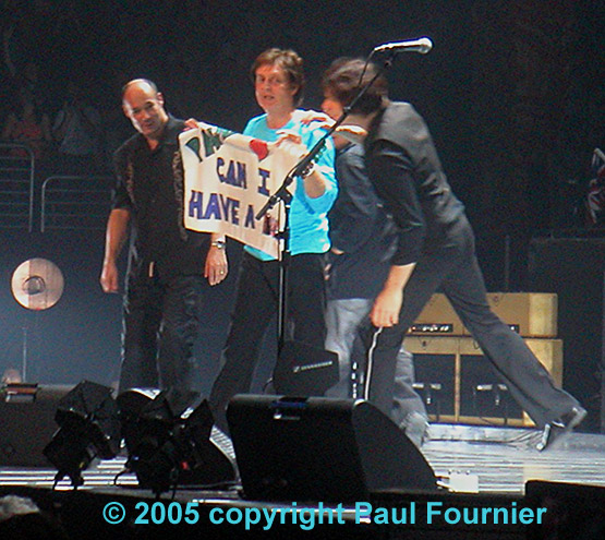 At The End Of Show A Fan Threw Sign Onstage That Read Can I Have Hug Paul Picked It Up And With Rusty They Both Hugged